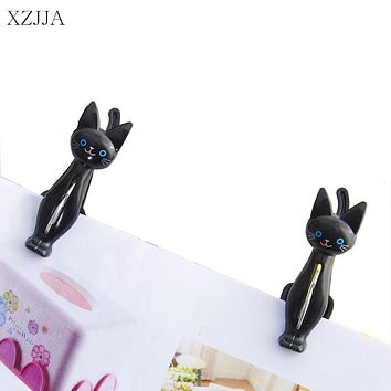 XZJJA 2Pcs/lot Creative Plastic Clothes Pegs Cute Cat Laundry Hanging Clothes Pins Beach Towel Clips Clamp Household Clothespins