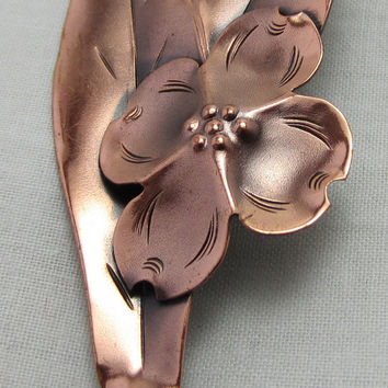 Copper brooch dogwood pin by Designer Modernist Stuart Nye brooch Pin in Copper Dogwood Estate Vintage
