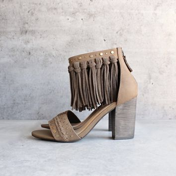Sbicca Vintage Collection   Palooza Fringe Heels   Khaki