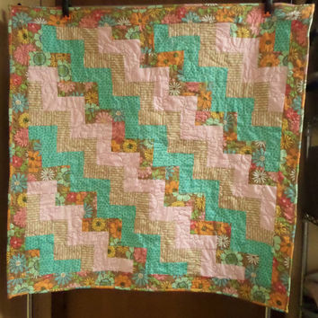Adult throw blanket - Homemade quilts - Mothers day present or gift - Flower quilt - Floral throw - Railfence quilt - For mom