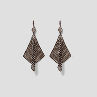CHAIN MAIL EARRINGS WITH STONES DETAILS