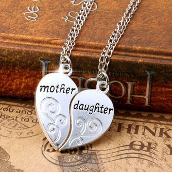 Mother Daughter Heart Pendant Necklace Set