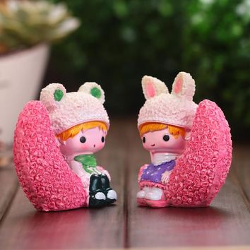 Resin Crafts Moon Girl Figurines Home Decor Modern Style Ornament for Garden Decoration Furnishing Wedding Birthday Gifts