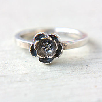 Little Flower Ring Sterling Silver Stacking Ring Size 5,5-6,5 Stacker Silversmithed Metalsmithed
