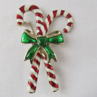 14-0815 Vintage Candy Cane Brooch / Vintage Christmas Brooch / Christmas Pin Back / Red and White Candy Cane / Red and White / Christmas