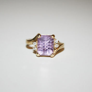Size 7.5-  14K Vintage Gold ring with diamonds and large amethyst stone - FREE US Shipping