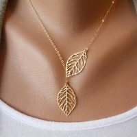 Vintage big leaves clavicle chain necklace  from looback