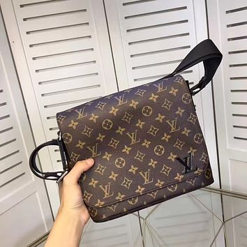 LV Louis Vuitton MEN'S TOP MONOGRAM LEATHER CROSS BAGY BAG