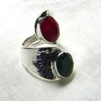 Vintage ring , two stones, in hammered Silver , Size 7