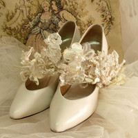 Vintage Ivory leather pumps bridal shoes 7 Cream low heels ladies shoes wedding shoes