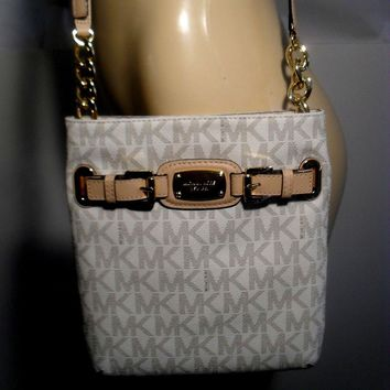 NWT Michael Kors Hamilton Vanilla MK Messenger Crossbody PVC Shoulder Bag Purse
