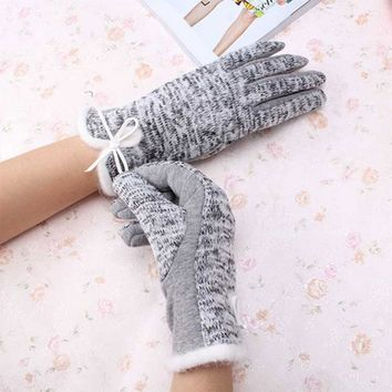 New Arrivial Elegant Women's Cashmere Winter Cotton Wool Gloves Warm White Plush Bowknot Windproof Glove for Women's Best Gifts