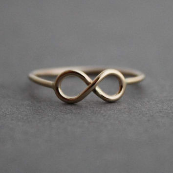 Petite 14k Gold Infinity Ring, Size 5.5 US/CANADA - ready to ship
