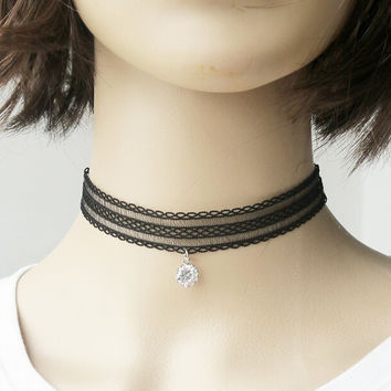 Retro Velvet Choker Necklace for Women Girls Gothic Choker Tattoo Simple Fashion Choker Jewelry +Gift Box