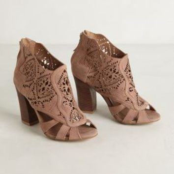 Mirelle Lacecut Booties by Klub Nico Peach