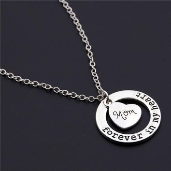 1pc Remembrance Memorial of Loved One Loss of Mom Grandma Daughter Sister Dad Forever In My Heart Circle Pendant Necklace