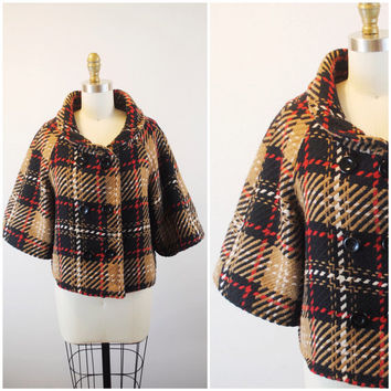 Plaid coat- Wool coat- Fall Jacket- Cropped jacket- Women's outerwear- Winter fashion- Large buttons-Oversized collar-1960's-Small- Medium