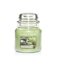 Meadow Showers : Medium Jar Candles : Yankee Candle