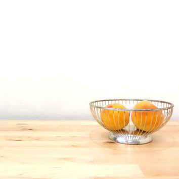 Vintage Wire Fruit Bowl / Silver Plated Bowl / Italian Kitchen / Metal Bread Basket / Rustic Kitchen Decor