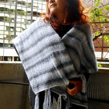 handknitted chunky shawl in silver grey and white, shrug stole,knit shawl