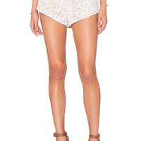 THE JETSET DIARIES Get Shorty Short in White