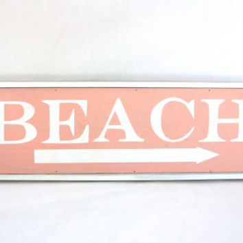 This Way to the Beach Weathered Coastal Decorative Framed Sign with Arrow - 23-in (Palm Beach Pink)