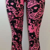 E&K All Over Paisley Print Stretch Leggings,