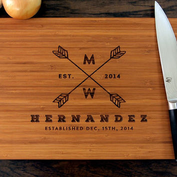 Personalized Arrow Badge Cutting Board, Wedding Gift, Housewarming Gift, Engagement Gift, Bride and Groom, Christmas Gift