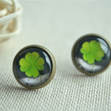 Clover earrings,Good Luck post earring,Luck of the Irish Earrings ,ear stud,plant jewelry buy 3 get 1 free (EH017)