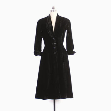 Vintage 40s Princess COAT / 1940s Black Velvet Fit & Flare Coat XS - S