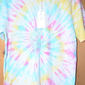 NEW Unisex Tie Dye T Shirt - Size Large - Hippy Pink Blue Yellow 60s 70s Festival Spiral Pastel Dip Dye Tshirt Top Vintage Look 100% Cotton