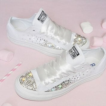 Customised Crystal White Low Top All Star Converse Canvas Blinge 91173c0815a5