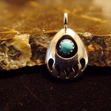 Sterling Silver Bear Claw Pendant Navajo Native American Jewelry