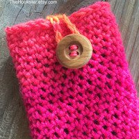 Handmade Crochet iPhone 4 & 5 Case, Bright Pink iPhone Case, Smartphone Cover, cell phone case, cell phone cover, buttoned iphone case