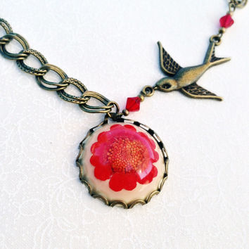flower necklace with sparrow - pressed flower jewelry - red flower necklace- nature inspired - resin jewelry - red flower and sparrow