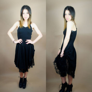Vintage 1990s lace gathered peekaboo spaghetti strap black cocktail party dress