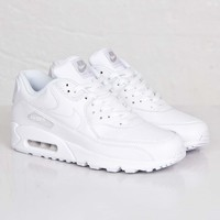 Nike Air Max 90 Leather - 302519-113 - Sneakersnstuff | sneakers & streetwear online since 1999