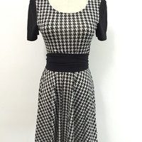 Black Hounstooth Pattern Short-Sleeve A-Line Dress