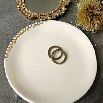 Rustic Ceramic Trinket Dish Gold Ivory Jewelry Plate Real Gold Decorated Plate Minimalist Ring Dish Hand Painted 18 karat Gold Decor