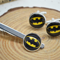 Bat cuff links and BatMan Tie clip,Superhero Dark Knight tie clip and Cufflinks,Hero tie bar,Novelty gentalmen Mens Accessories