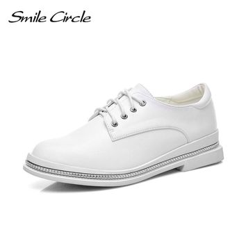 Smile Circle Women Oxford Shoes Patent leather Lace-up Flats Shoes Women boat Shoes Pointed toe White Black Casual Shoes A2355-5