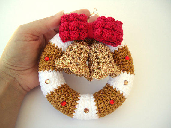 Crochet Hair Garland : Christmas wreath in crochet, Door hanger from NiKiTas Blankets