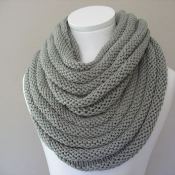 Silver Grey Chunky Double Infinity sacrf, Knitted Scarf, Snood, Circle scarf