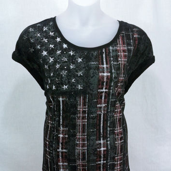 17765 Rock & Republic Plus Size Distressed Plaid Flag Graphic Popover Top Size 1X