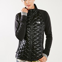 The North Face Momentum ThermoBall Hybrid Jacket - Urban Outfitters