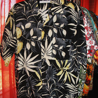 Amazing Vintage Hawaiian Shirt  Floral Size L Polyester Made in Italy Very Collectible