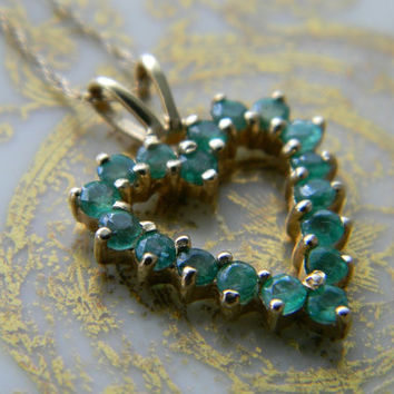 Sale!!!! Vintage 14K EMERALD HEART Pendant Necklace Solid Yellow Gold