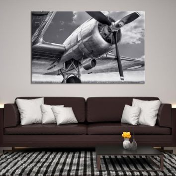 27215 - Black and White Bottom-up Airplane Propeller Canvas Print, Extra Large Wall Art, Large Canvas Print, Airplane Propeller Wall Art, Propeller Canvas, Framed Wall Art, Airplane Canvas