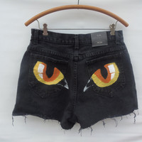 High-Waisted Hand-painted Cat Eye shorts (Lee) Size 12M