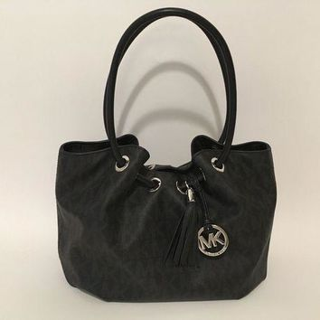 DCCKW7H MICHAEL KORS Signature MK Grommet Drawstring Hobo Bag with Leather Tassel Black